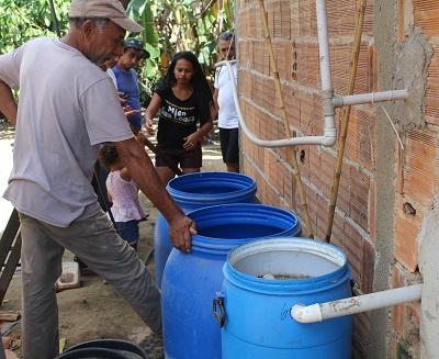 Sistema de Tratamento e reuso de água instalado no lote da agricultora Renéia no PA Ouro verde/Barro Branco