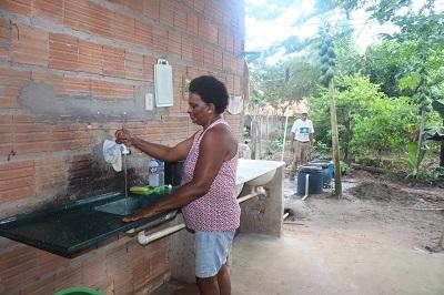 Sistema de Tratamento e reuso de água instalado na casa do agricultores Francisco e Osmarina , no P.A. Ouro Verde.